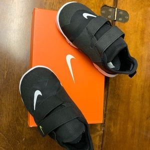 Nike Free Run Size 7c  Black New